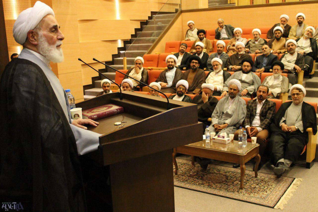 انتقاد صریح ناطقنوری از سخنان انتخاباتی قالیباف/ براساس وظیفه شرعی از روحانی حمایت کردم