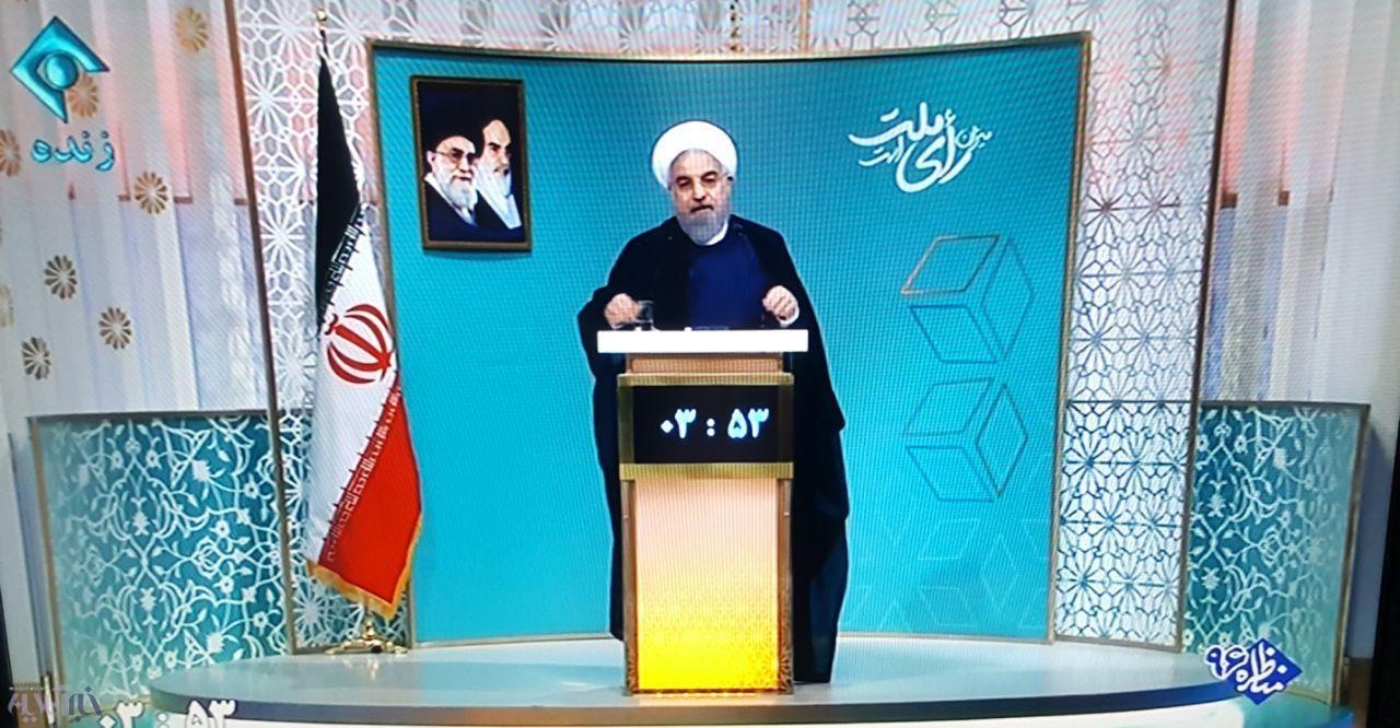 روحانی:مردم دیدید که در زمان برجام روی موشک شعار نوشتند