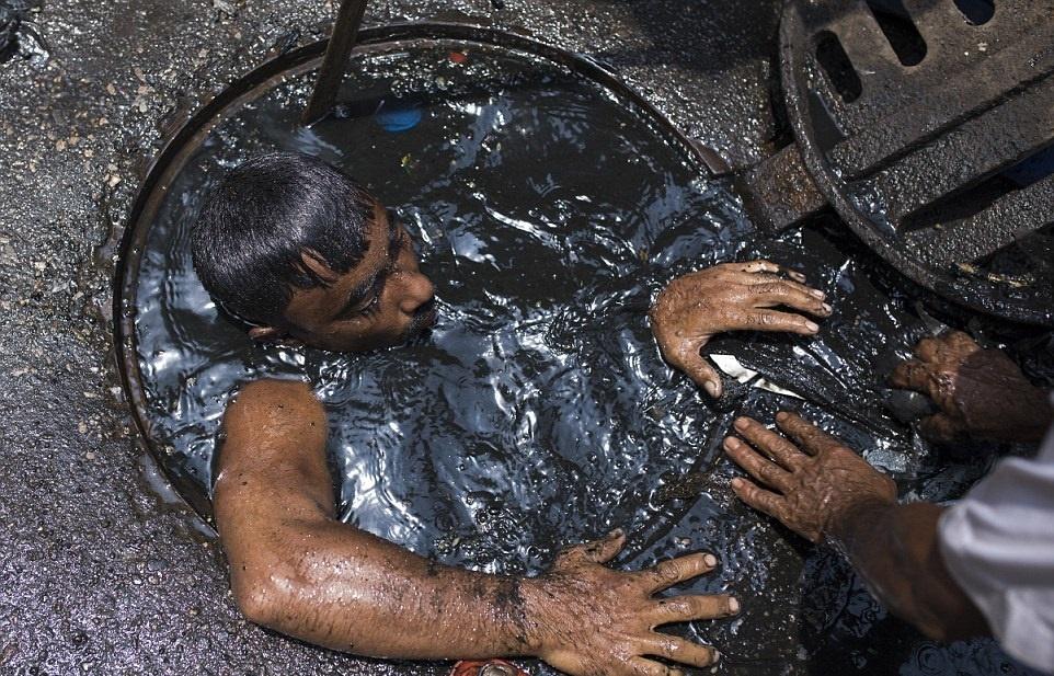 تصاویر | بدترین شغل دنیا!