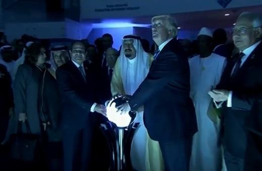 فیلم | دست های ترامپ، ملک سلمان و سیسی روی گوی جهان اسلام