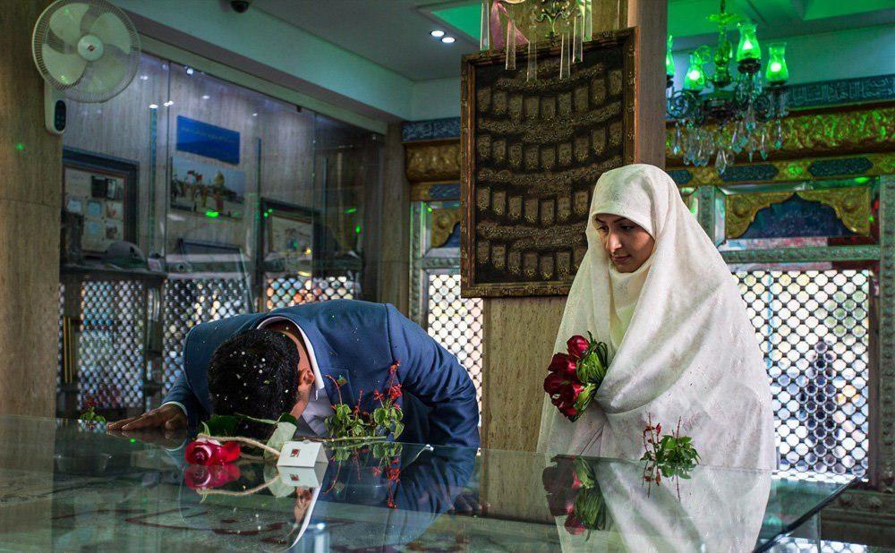 تصاویر | برگزاری جشن ازدواج در کنار شهدای گمنام
