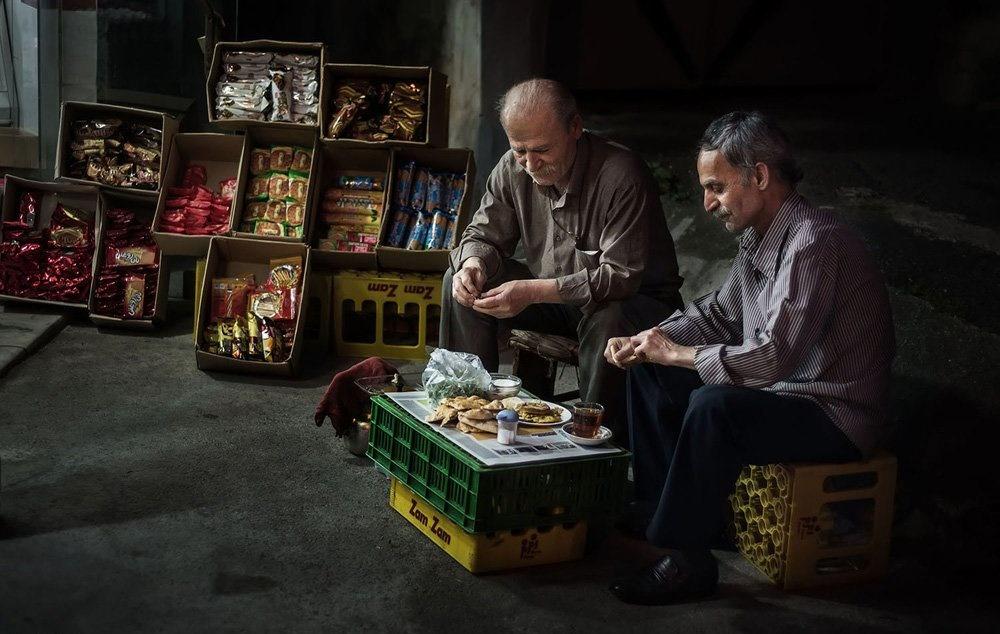 تصاویر   افطاری به سبک بازاریهای رشت