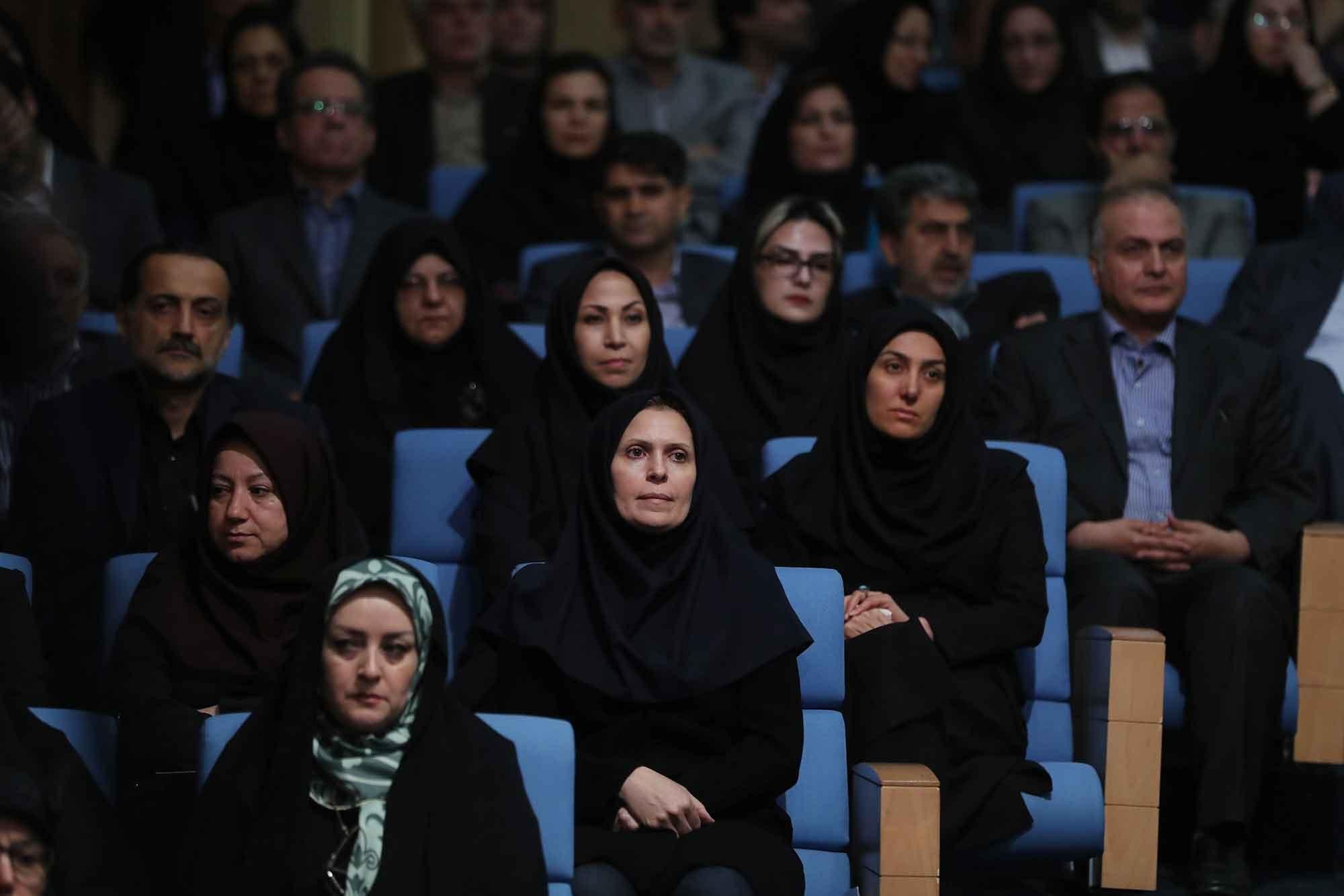 تصاویر |  رئیسجمهور در ضیافت افطار با اساتید و پزشکان