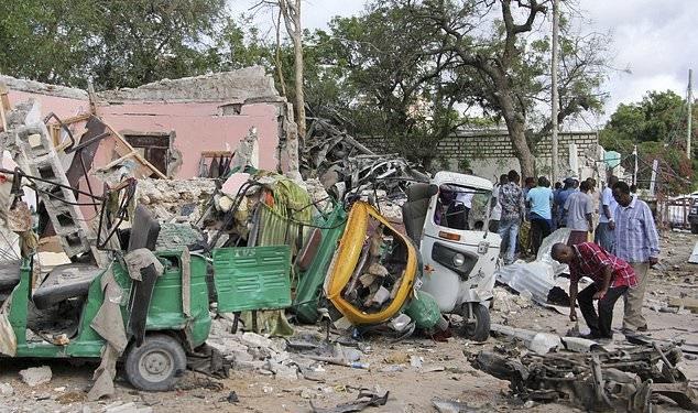 تصاویر   انفجار انتحاری، تیراندازی و گروگانگیری در پایتخت سومالی