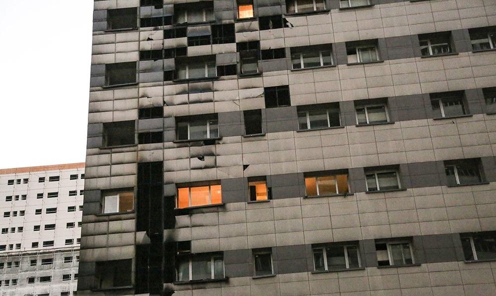 تصاویر   مهار آتش در برج ۲۲ طبقه در غرب تهران