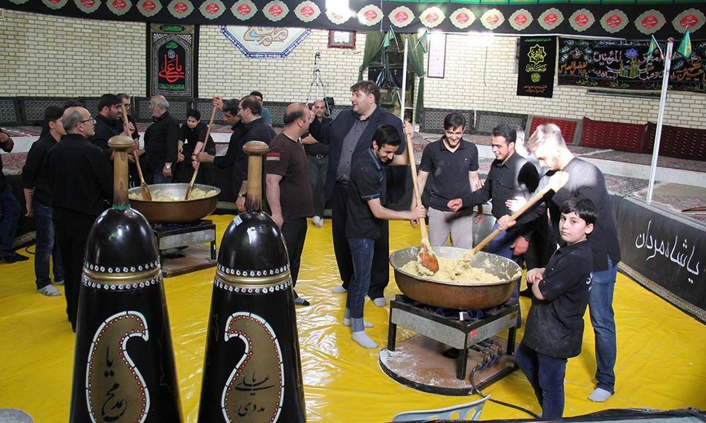 تصاویر   حلواپزی سنتی اردبیلیها در زورخانه