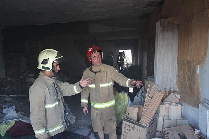 تصاویر | مهار آتشسوزی در یکی از سینماهای قدیمی تهران