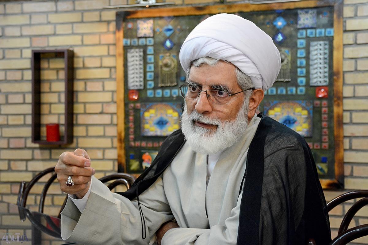 رهامی: نهضتآزادیها به طرح عزل بنیصدر رأی ممتنع یا مخالف دادند
