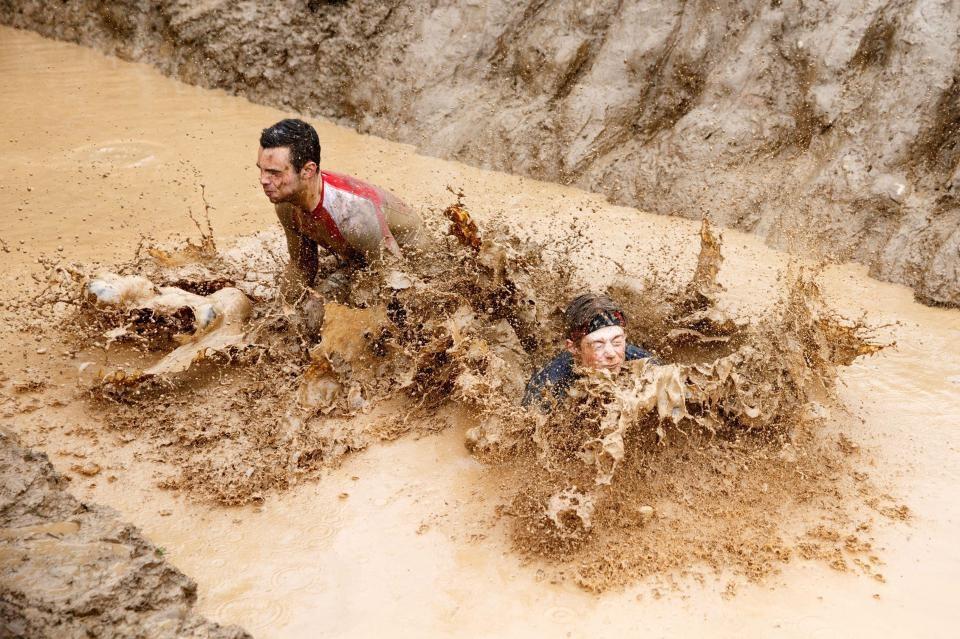 تصاویر | مسابقات دوی استقامت اسکاتلندیها در گل و لای