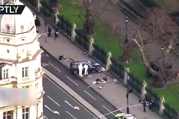 فیلم | تصاویر هوایی از خودروی عامل حمله به نمازگزاران لندن
