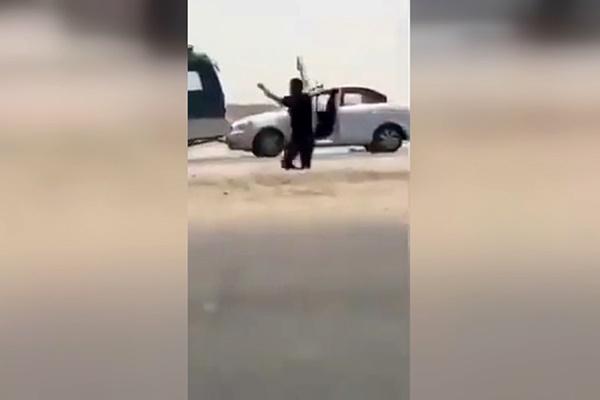 فیلم   لحظه دستگیری راننده خودروی انتحاری توسط پلیس عراق