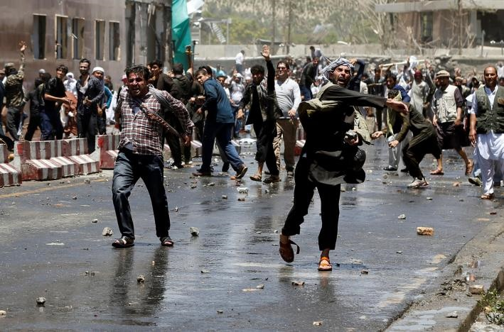 تصاویر   درگیری مرگبار مردم افغانستان و پلیس در اعتراض به بیکفایتی دولت