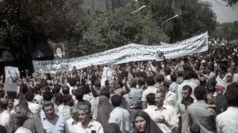 مصطفی چمران عکس تشییع جنازه خانواده شهید چمران بیوگرافی مصطفی چمران