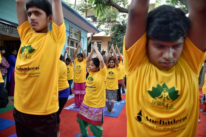 تصاویر | مراسم روز جهانی یوگا در بیش از ۱۰۰ کشور جهان