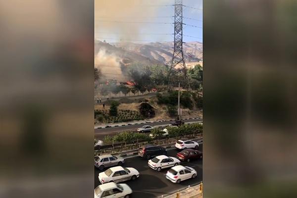 فیلم ارسالی مخاطبان خبرآنلاین از آتشسوزی گسترده در محله اوین تهران