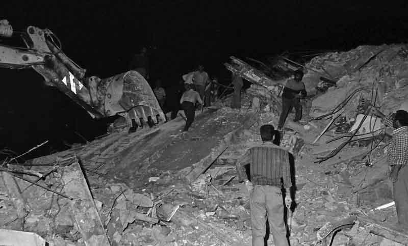 تصاویر   ۲۷ سال قبل؛ ویرانیهای زلزله در گیلان و زنجان