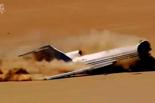 فیلم |  تست سقوط بوئینگ ۷۲۷ در بیایان