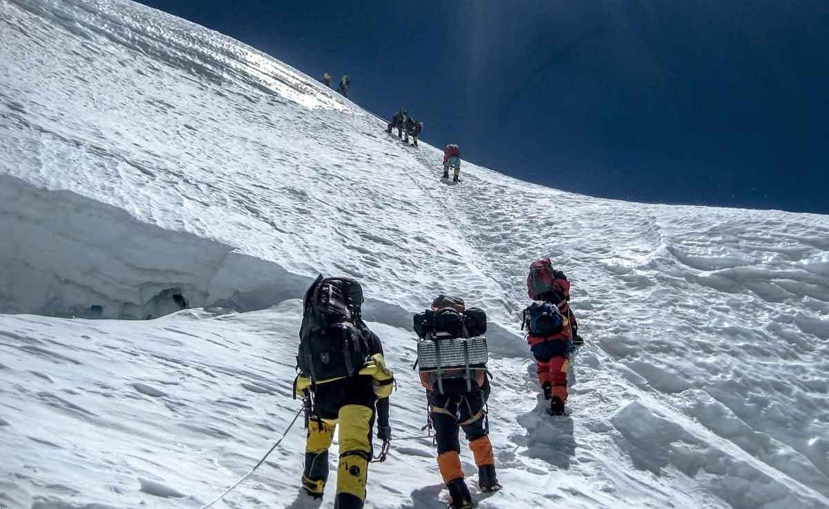 تصاویر | کوهنورد ایرانی در قلههای هشت هزار متری اورست