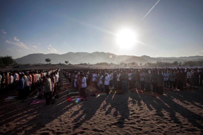تصاویر | نماز و جشن عید فطر در کشورهای مختلف
