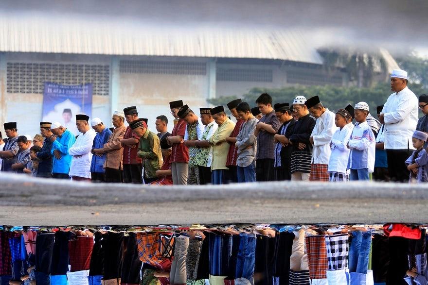 تصاویر | عید فطر مسلمانان سراسر جهان | از فضای امنیتی فیلیپین تا عبادت کودکانه در کوزوو