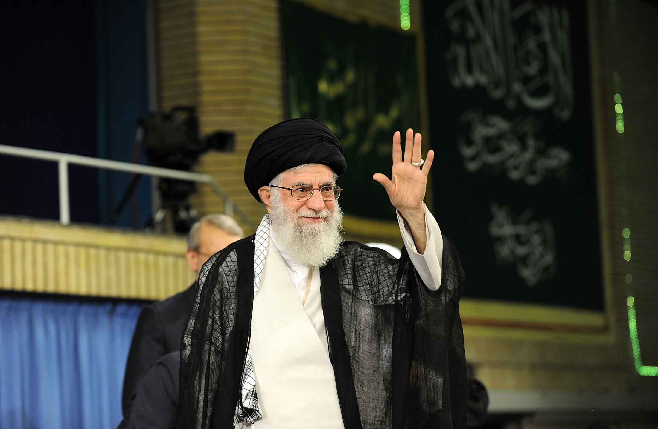 تصاویر | دیدار مسئولان نظام و سفرای کشورهای اسلامی با رهبر انقلاب
