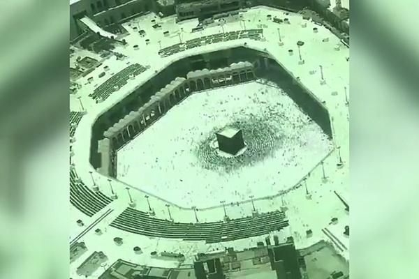 فیلم | تایم لپس دیدنی از طواف و صفوف نماز در مسجدالحرام