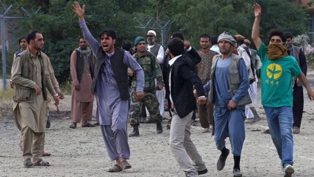 تصاویر | روز خونین دیگر افغانستان | انفجار مرگبار در تشییع یکی از کشتهشدگان تظاهرات جمعه