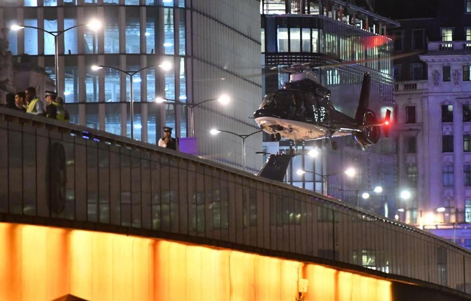تصاویر | شب وحشت و دلهره در لندن | حمله تروریستی با خودرو کاروان و چاقو