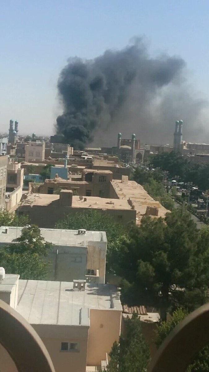 تصاویر   انفجار مرگبار بمب جاسازی شده در موتورسیکلت مقابل مسجد جامع هرات