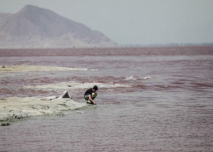 چرا تراز دریاچه ارومیه بعد از افزایش و تثبیت، کم شد؟