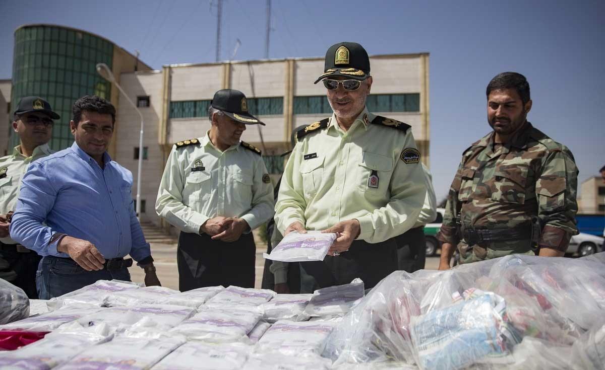 تصاویر | کشفیات پلیس از قاچاقچیان فارس | هروئین، تریاک و باقی مخلفات