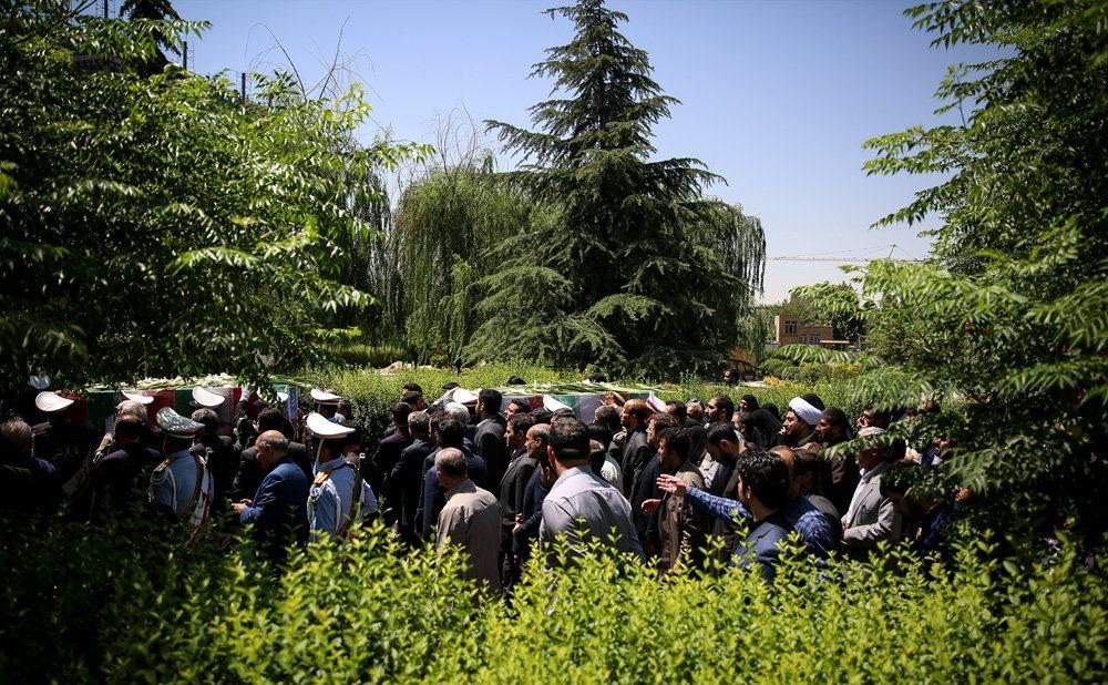 تصاویر   تشییع پیکر شهدای ترور به سمت میعادگاه نماز جمعه تهران