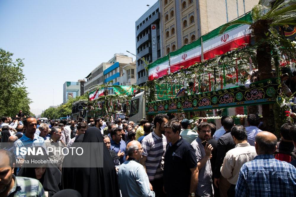 تشییع پیکر شهدای ترور در دانشگاه تهران و تدفین در قطعه مدافعان حرم/ کدام مقامات آنها را بدرقه کردند؟
