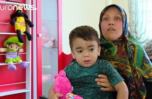 فیلم | گفتگو با مادر عماد؛ کودکی که در روز حمله داعش به مجلس خبرساز شد