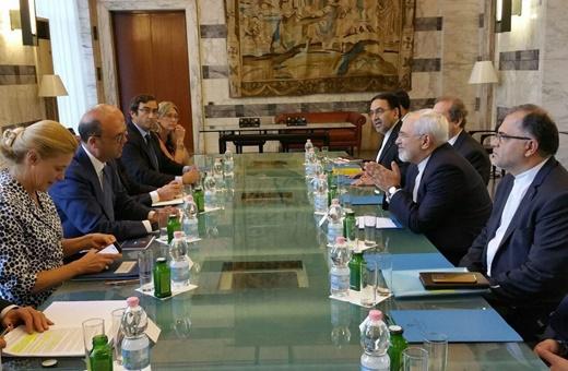 وزیر خارجه ایتالیا در دیدار با ظریف:رم به دنبال توسعه مناسبات دو جانبه خود با تهران است