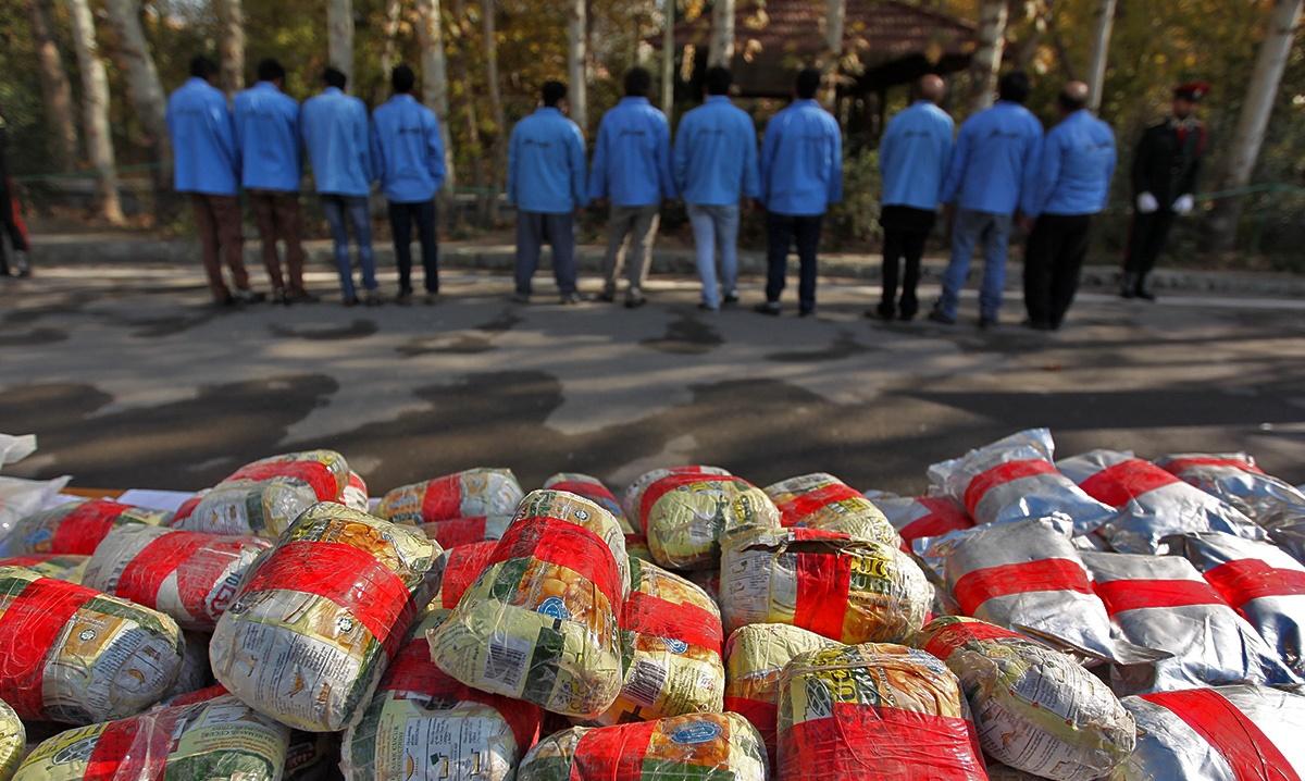 اعدام موادفروشها، با ۱۰۰ کیلو مواد سنتی و ۲ کیلو مواد صنعتی