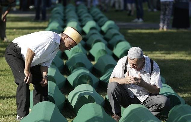 تصاویر | سالگرد بزرگترین قتل عام اروپا پس از جنگ جهانی دوم