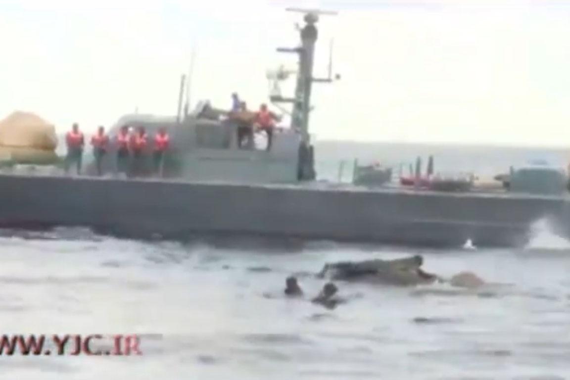 فیلم | عملیات ۱۲ساعته نیروی دریایی سریلانکا برای نجات یک فیل از دریا