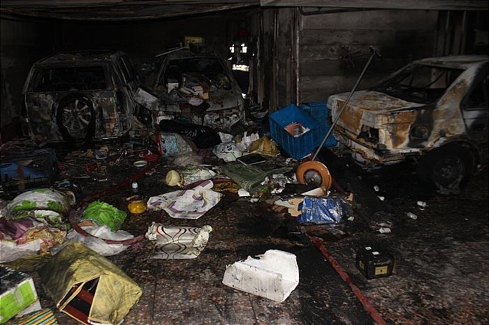 تصاویر | آتشسوزی مهیب در یک پارکینگ مسکونی در غرب تهران