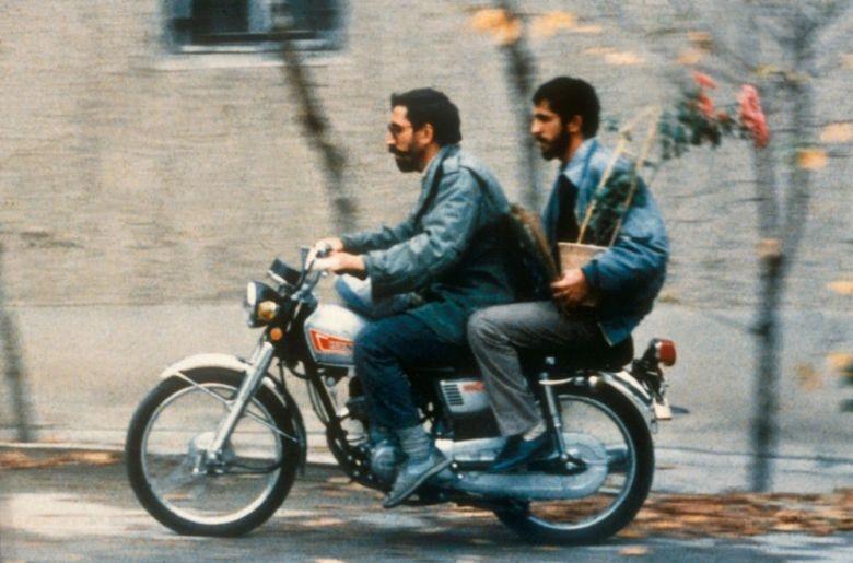 «کلوزآپ» دومین فیلم برتر دهه ۹۰ میلادی