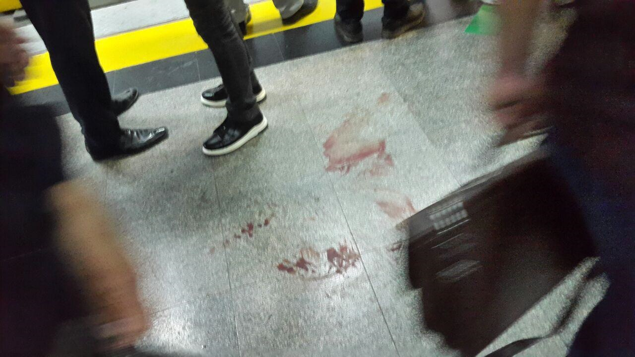 عکس   قمهکشی در متروی شهرری و شلیک پلیس به مرد مهاجم