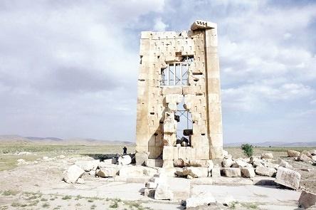 کاوشهای باستانشناختی در محوطه جهانی پاسارگاد برای کشف یک راز: در زندان سلیمان چه میگذشت؟