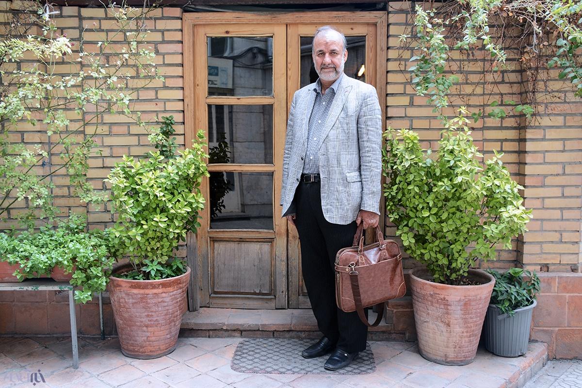بیادی: شرایط کشور عادی نیست، احمدینژاد کاندیدای ۱۴۰۰ نمیشود