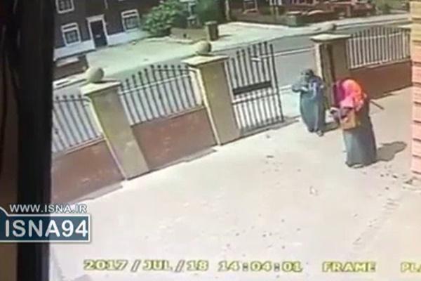 فیلم | ایجاد وحشت برای دو زن محجبه در لندن با پاشیدن آب بهجای اسید