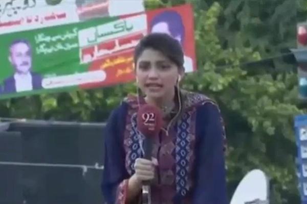 فیلم | لحظه فوت ناگهانی مجری زن معروف پاکستانی هنگام پخش زنده