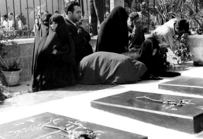 تصاویر   روزی که مردم برای بازگشت مصدق به نخستوزیری قیام کردند