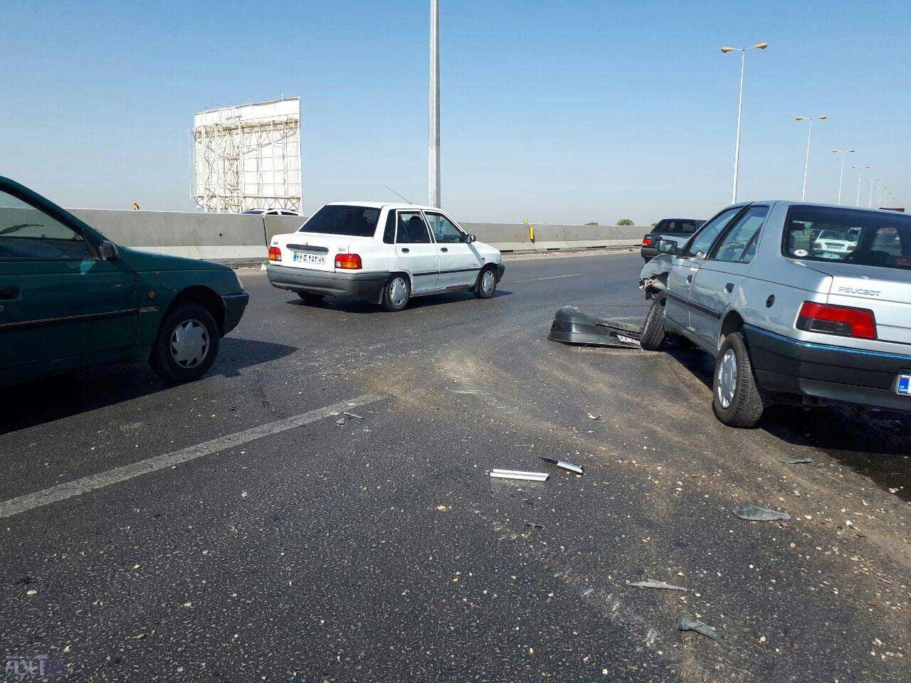 تصاویر | تصادف پرشیا با ۴۰۵ در اتوبان تهران-قزوین