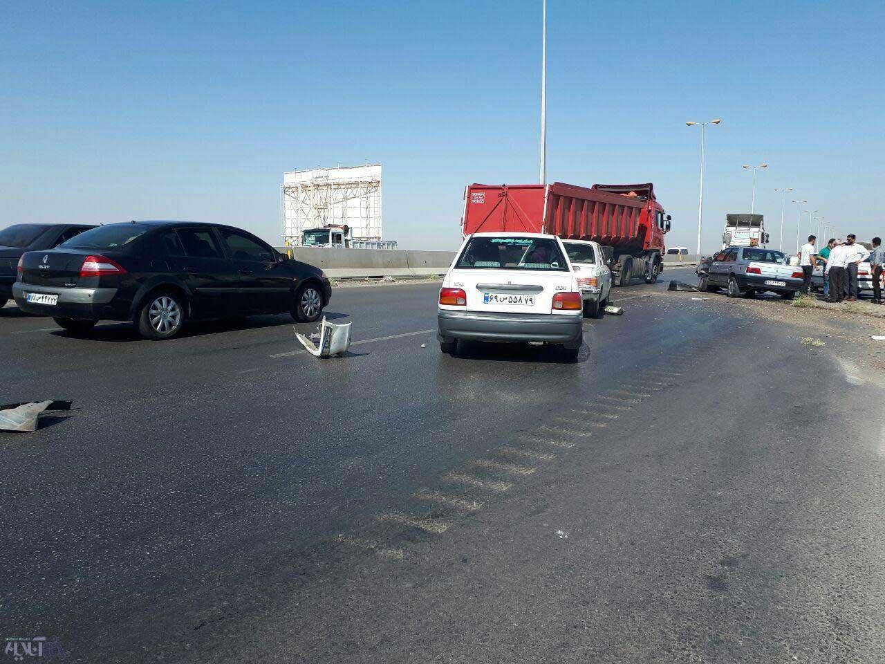 تصاویر   تصادف پرشیا با ۴۰۵ در اتوبان تهران-قزوین