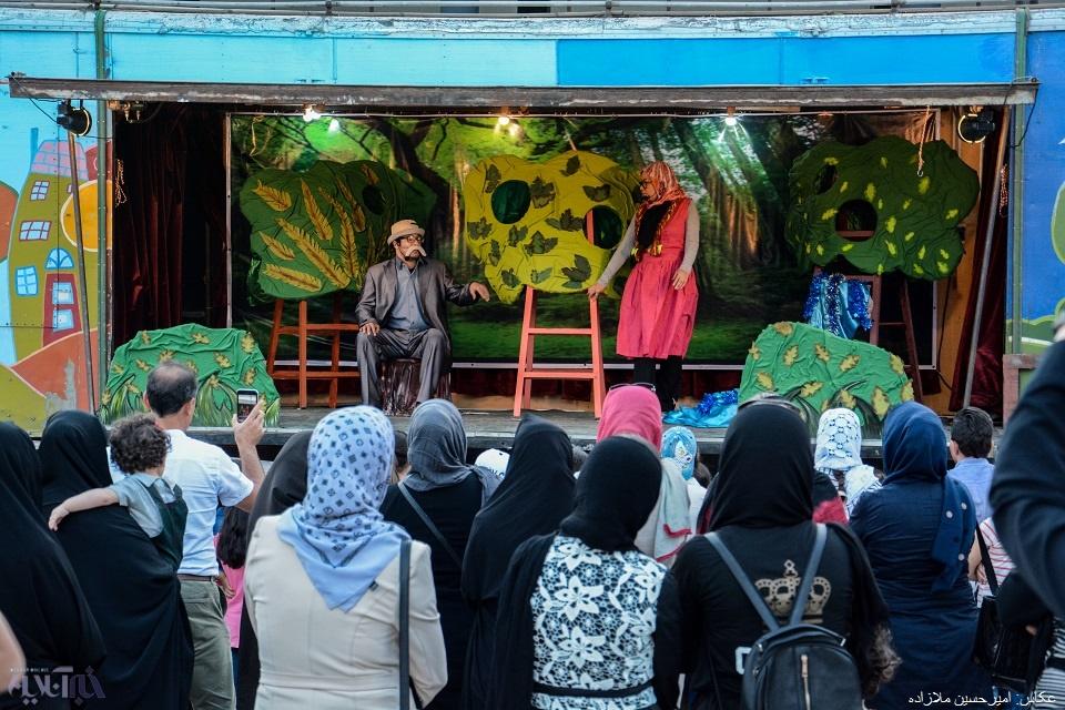 آغاز سفر تریلی سیار مرکز تئاتر کانون پرورش فکری در آذربایجان غربی