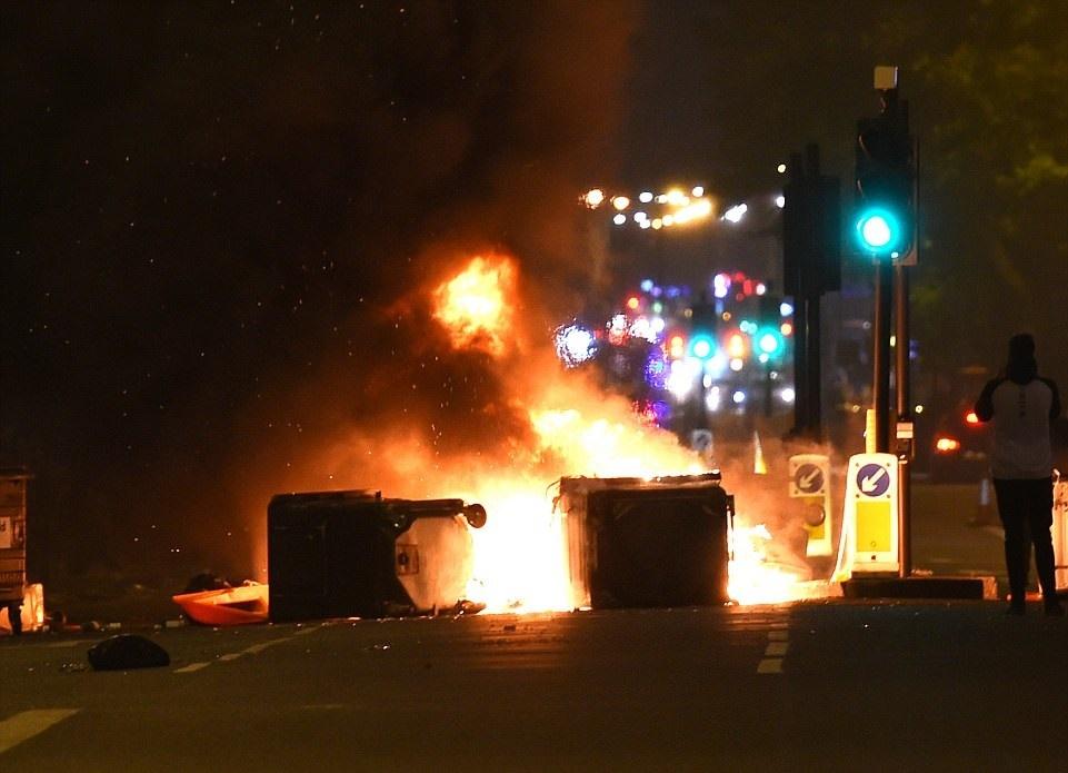تصاویر | اغتشاش لندنیها در اعتراض به قتل جوان سیاهپوست به دست پلیس